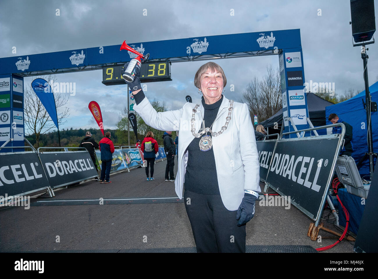Stirling's Provost, Councillor Christine Simpson poses with a Klaxon for photographers prior to commencing the 2018 Stirling Scottish Half Marathon. - Stock Image