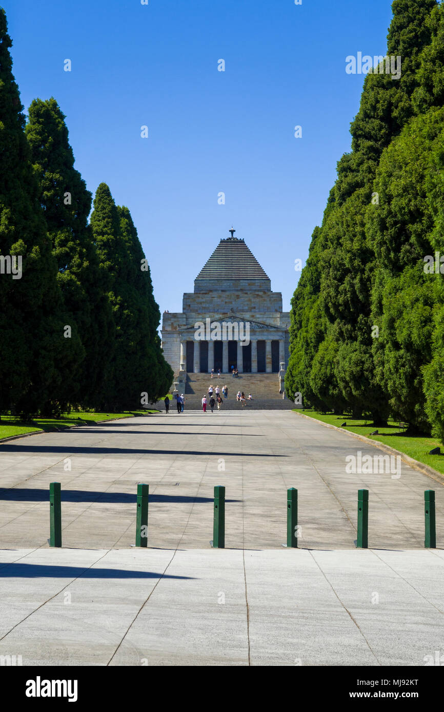 Pathway in Kings Domain park leading to Shrine of Remembrance, Melbourne, Victoria, Australia. The Shrine of Remembrance is one of Australias largest  - Stock Image