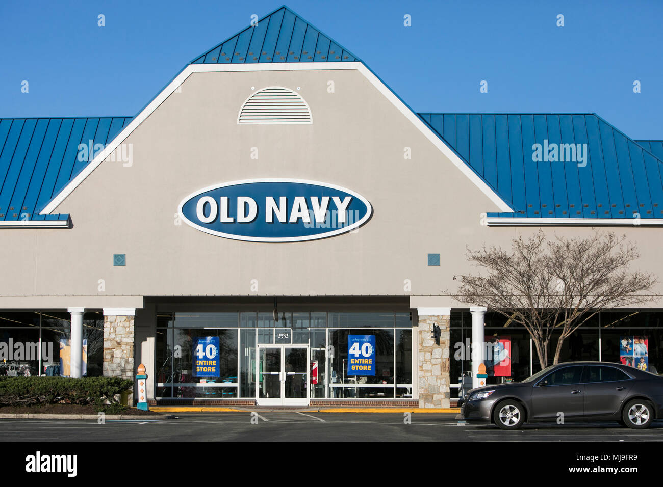 A logo sign outside of a Old Navy retail store in Annapolis, Maryland on April 29, 2018. - Stock Image