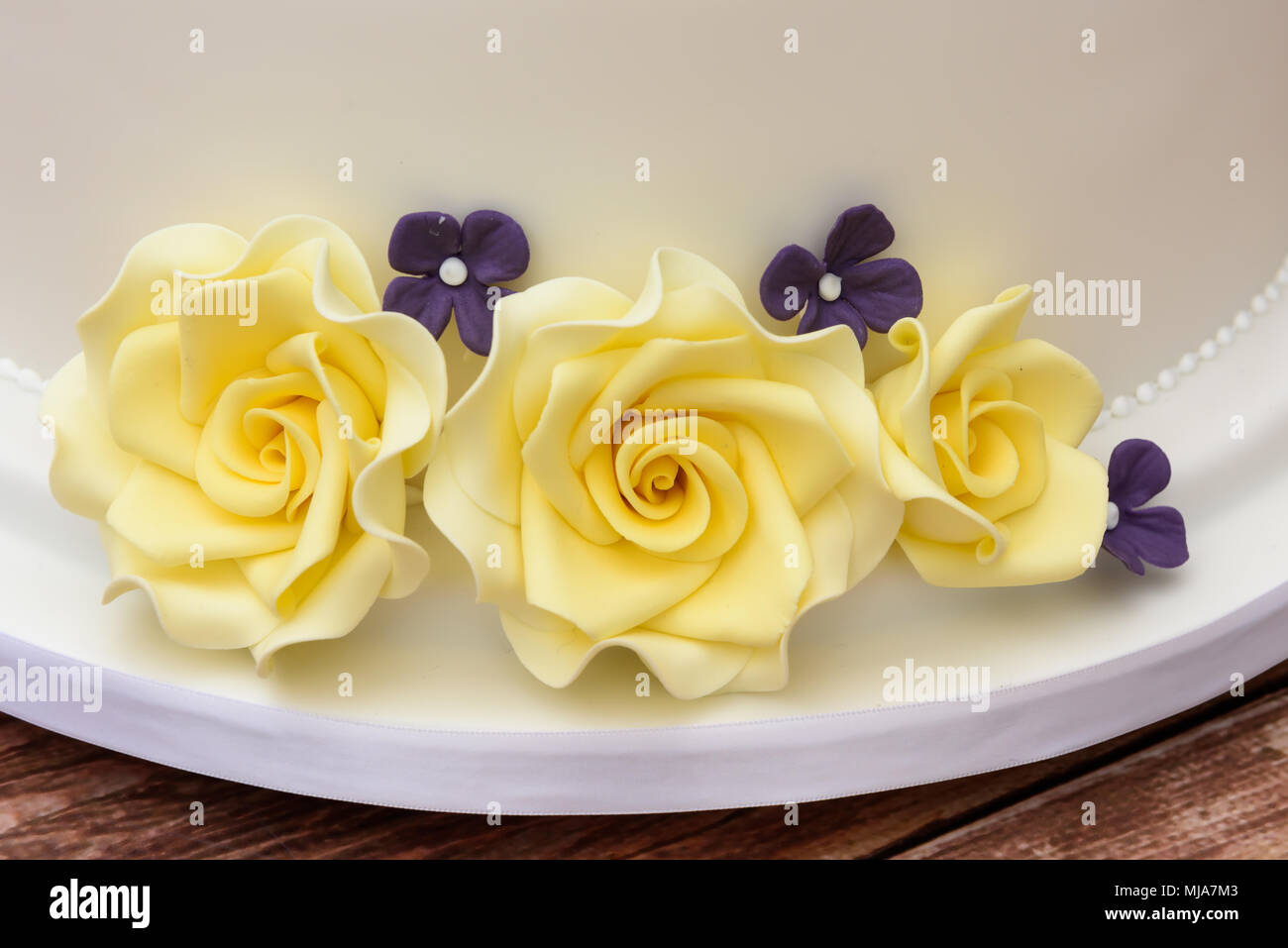 Star wars themed wedding cake - Stock Image