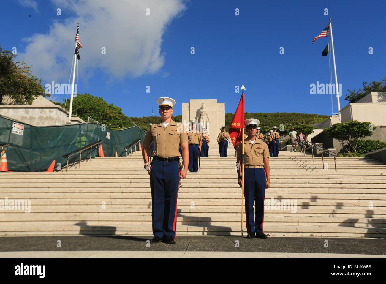 U s marine corps st lt travis valdovinos the commander of