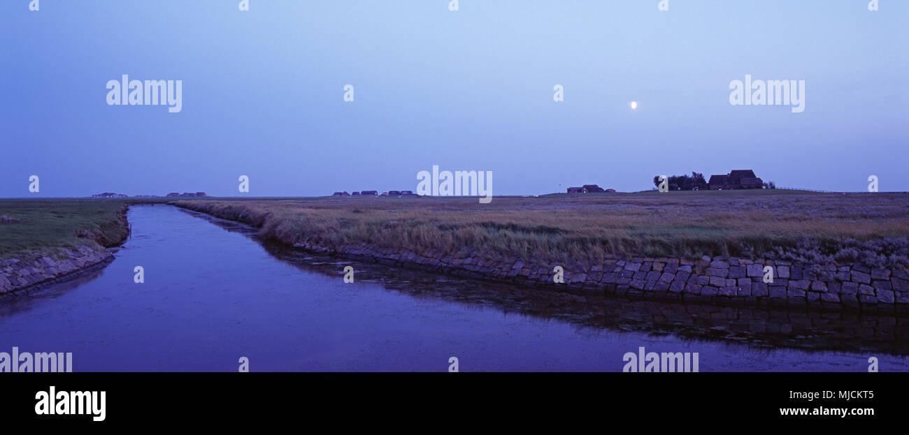 Moon over the Hallig Hooge, North Sea coast, Schleswig-Holstein mud flats, the North Frisians, Schleswig - Holstein, Germany, - Stock Image