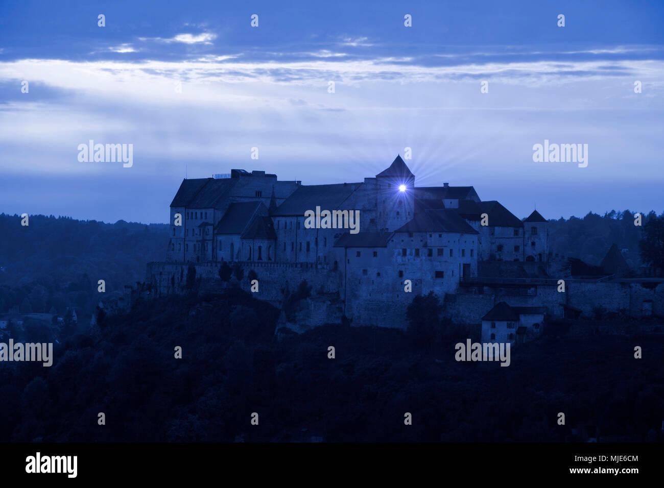 Germany, Bavaria, Upper Bavaria, Burghausen, castle, mystic, blue evening light, beam of light - Stock Image