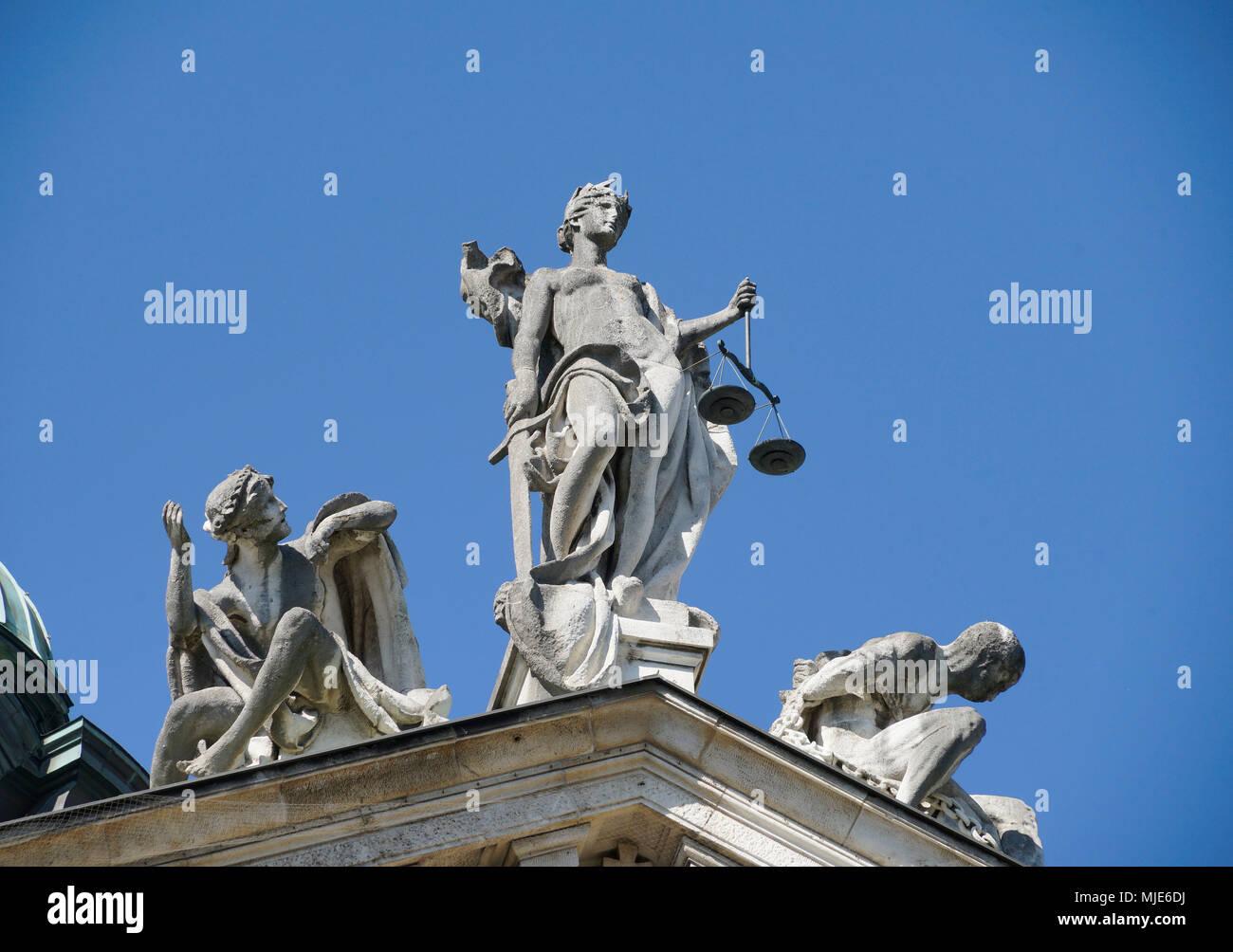 Justizpalast 'Am Stachus', Lady Justice, statue, Munich, Bavaria, Germany - Stock Image