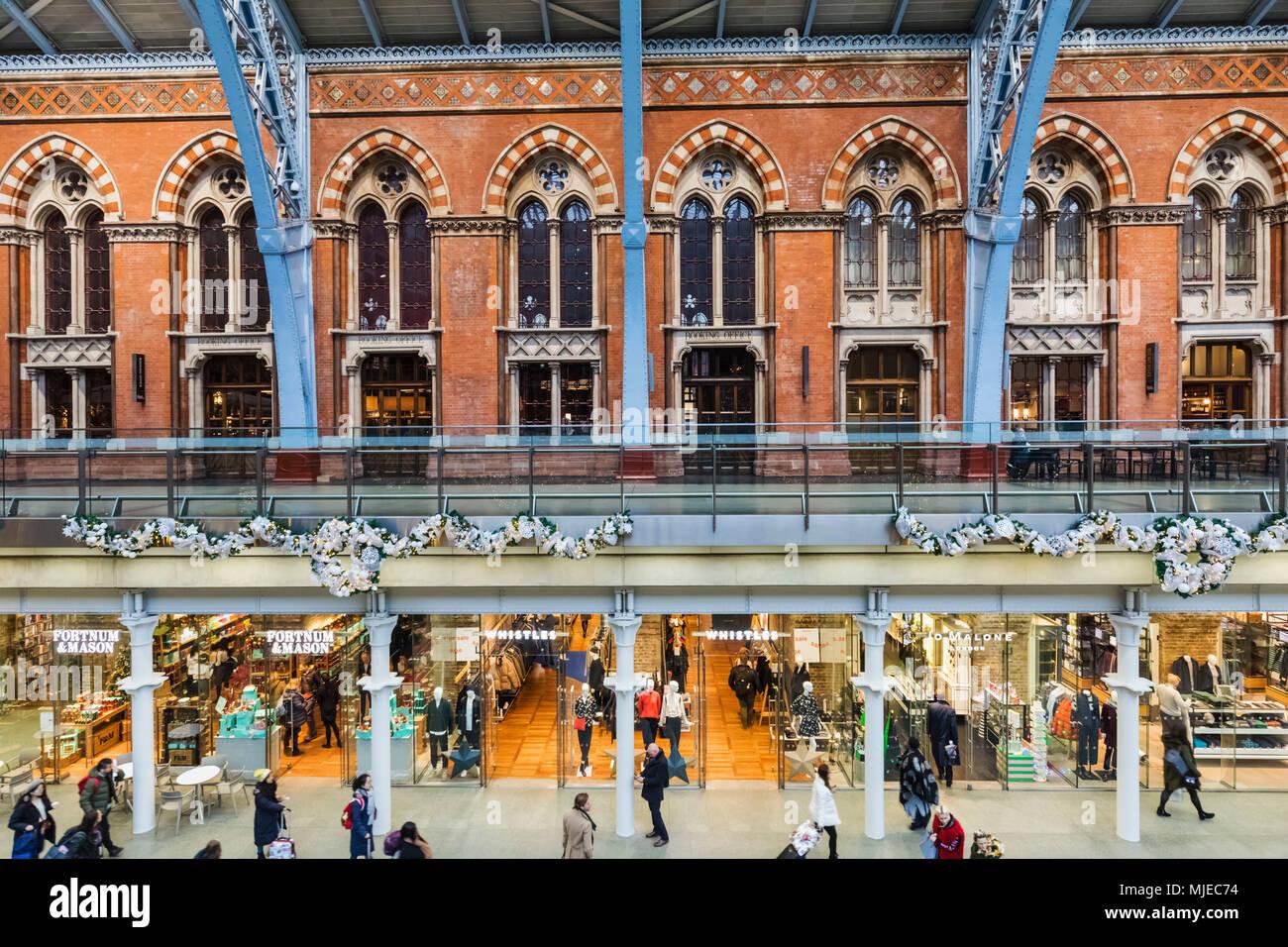 England, London, St Pancras International Station, Shopping Mall - Stock Image