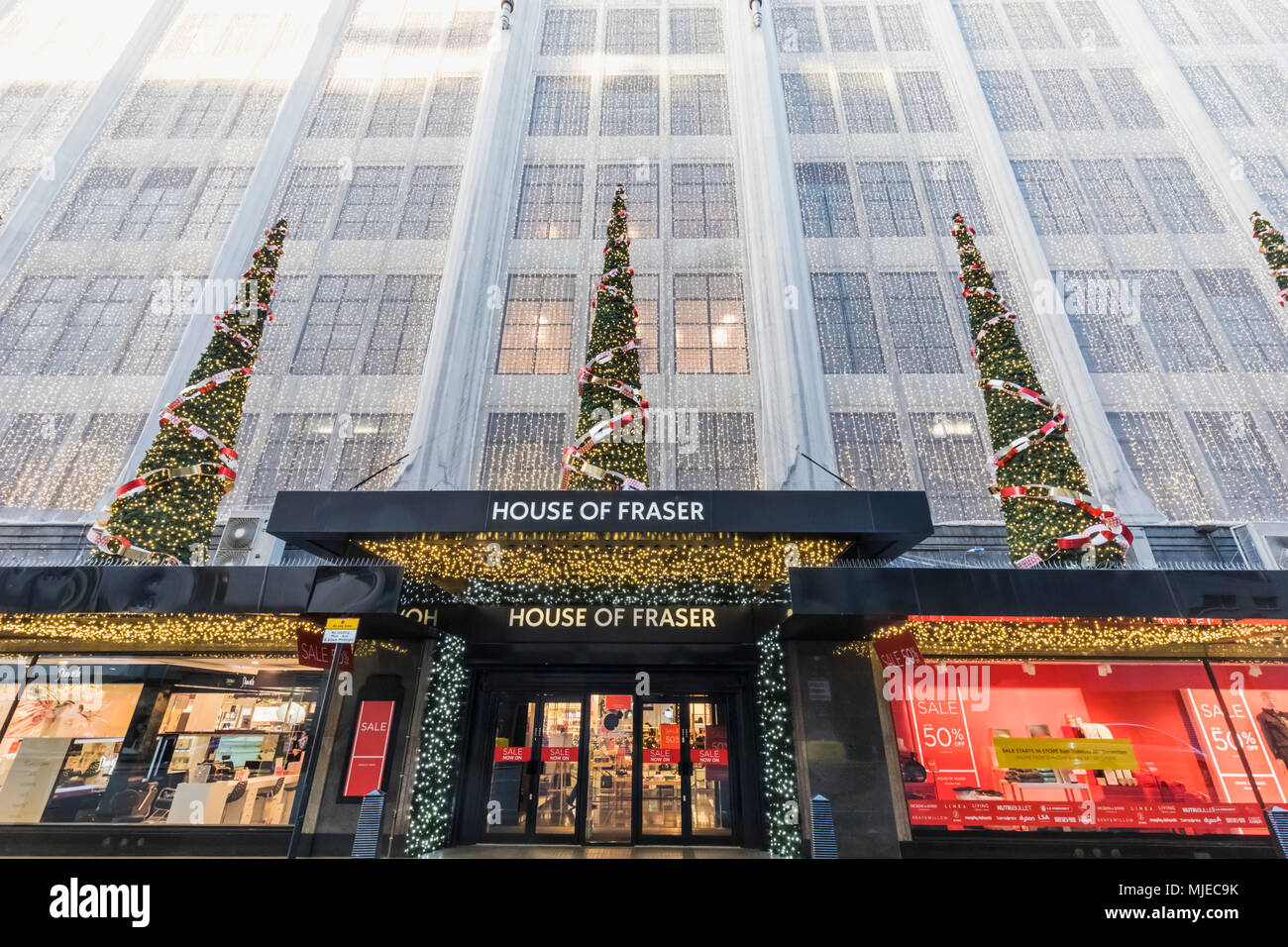 Christmas In England.England London Oxford Circus House Of Fraser Department