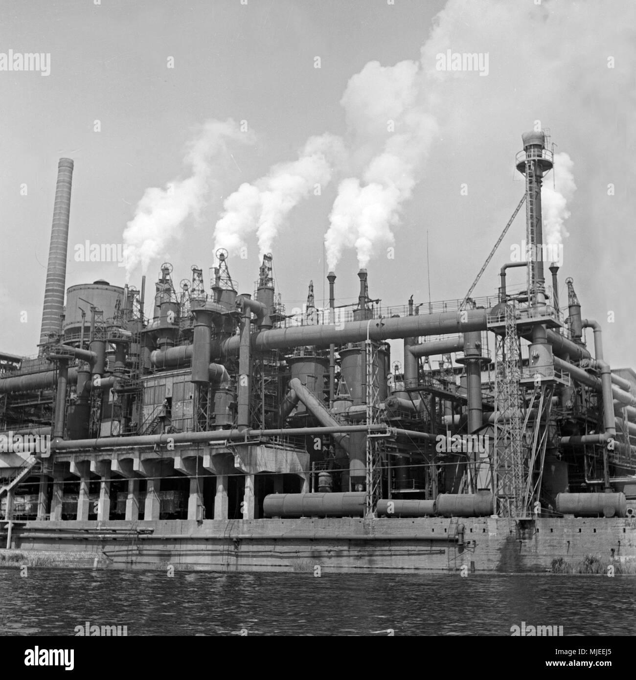 Die Friedrich Wilhelms Hütte in Mülheim an der Ruhr, Deutschland 1930er Jahre. Friedrich Wilhelms Huette, metallurgical plant at Muelheim, Germany 1930s. - Stock Image