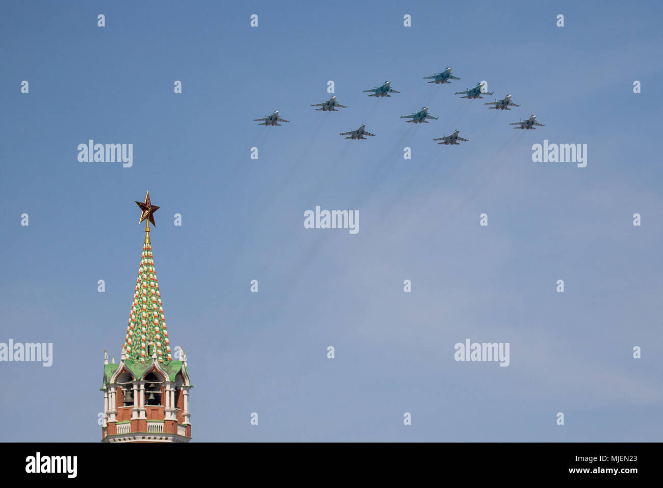 Moscow, Russia. 4th May, 2018. Russian Air Force multi-purpose fighters Sukhoi Su-34, Sukhoi-Su35S, Sukhoi Su-30SM and Sukhoi Su-27 aircraft fly in formation during a rehearsal of the upcoming Victory Day air show marking the 73rd anniversary of the victory over Nazi Germany in the 1941-45 Great Patriotic War, the Eastern Front of World War II. Credit: Victor Vytolskiy/Alamy Live News - Stock Image