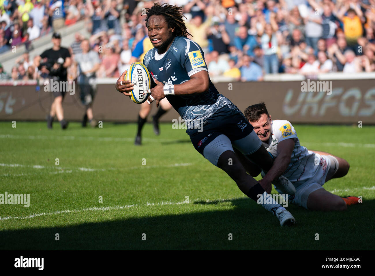 Manchester, UK. 5th May, 2018. Sale Shark's MARLAND YARDE scores a try   5th May 2018 , AJ Bell Stadium, Sale, England; English Premiership Rugby League, Sale Sharks v Leicester Tigers ; Credit: News Images /Alamy Live News - Stock Image