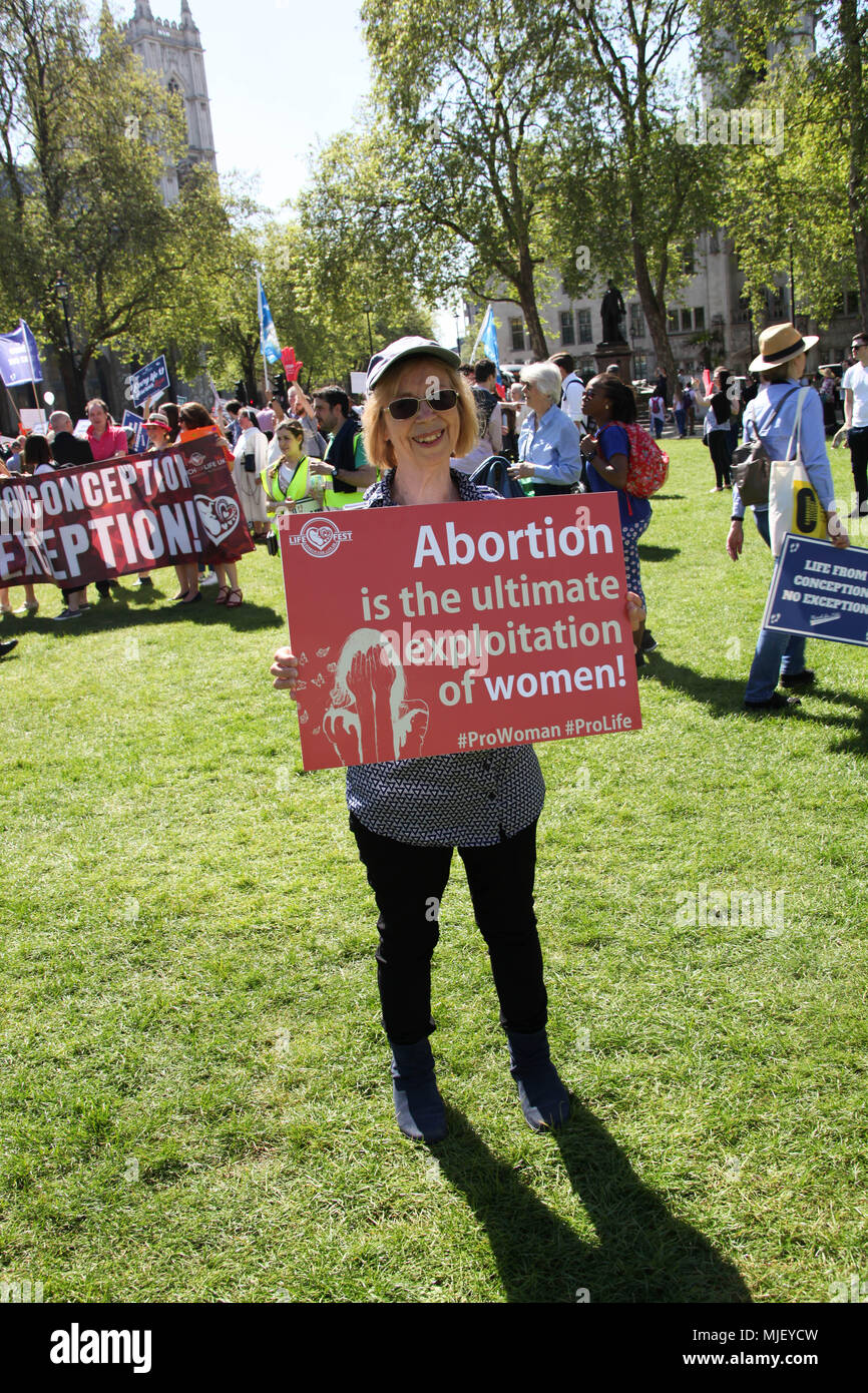 London, UK. 5th May, 2018. Pro-life demonstrator Credit: Alex Cavendish/Alamy Live News - Stock Image