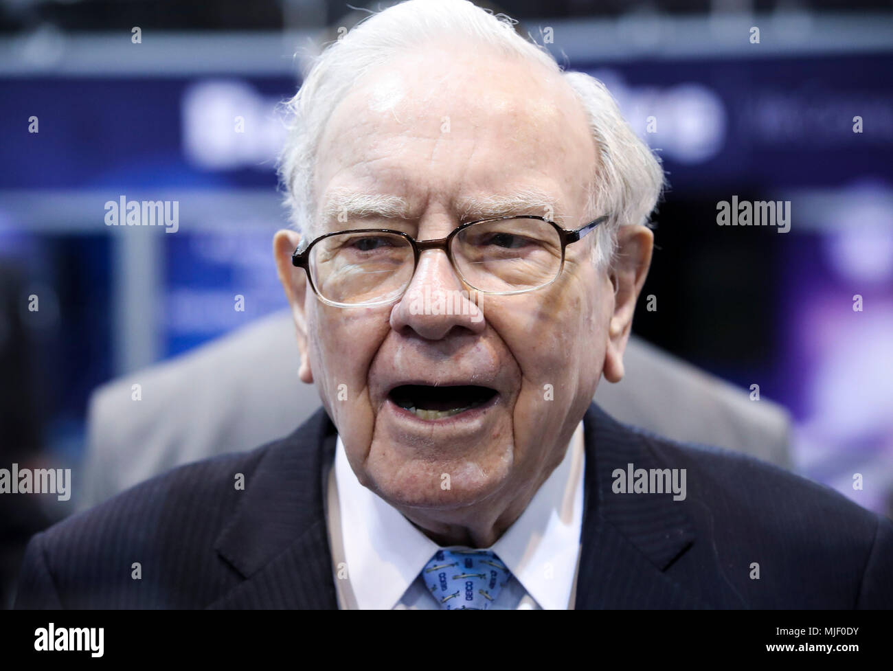 Omaha, USA. 5th May, 2018. U.S. billionaire investor Warren Buffett, chairman and CEO of Berkshire Hathaway, visits an exhibition on his invested companies before the Berkshire Hathaway's annual shareholders meeting in Omaha, Nebraska, the United States, on May 5, 2018. Berkshire Hathaway held its 2018 shareholders meeting on Saturday, attended by tens of thousands of people from all over the world. Credit: Wang Ying/Xinhua/Alamy Live News Stock Photo