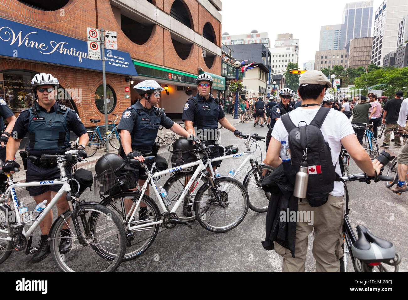 A police blockade along Queen Street during the G20 summit in Downtown Toronto, Ontario, Canada. - Stock Image