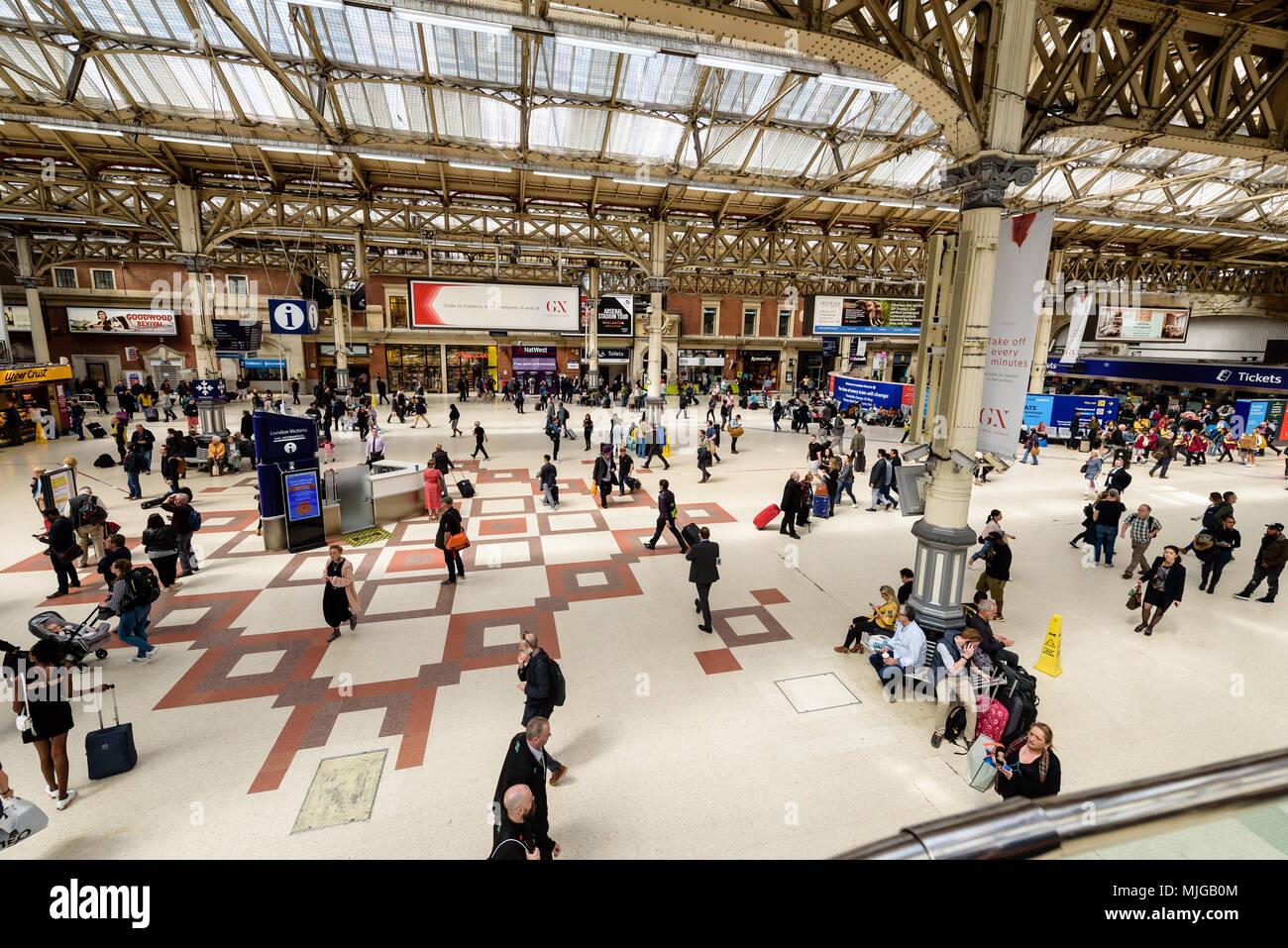 Victoria train station London - Stock Image