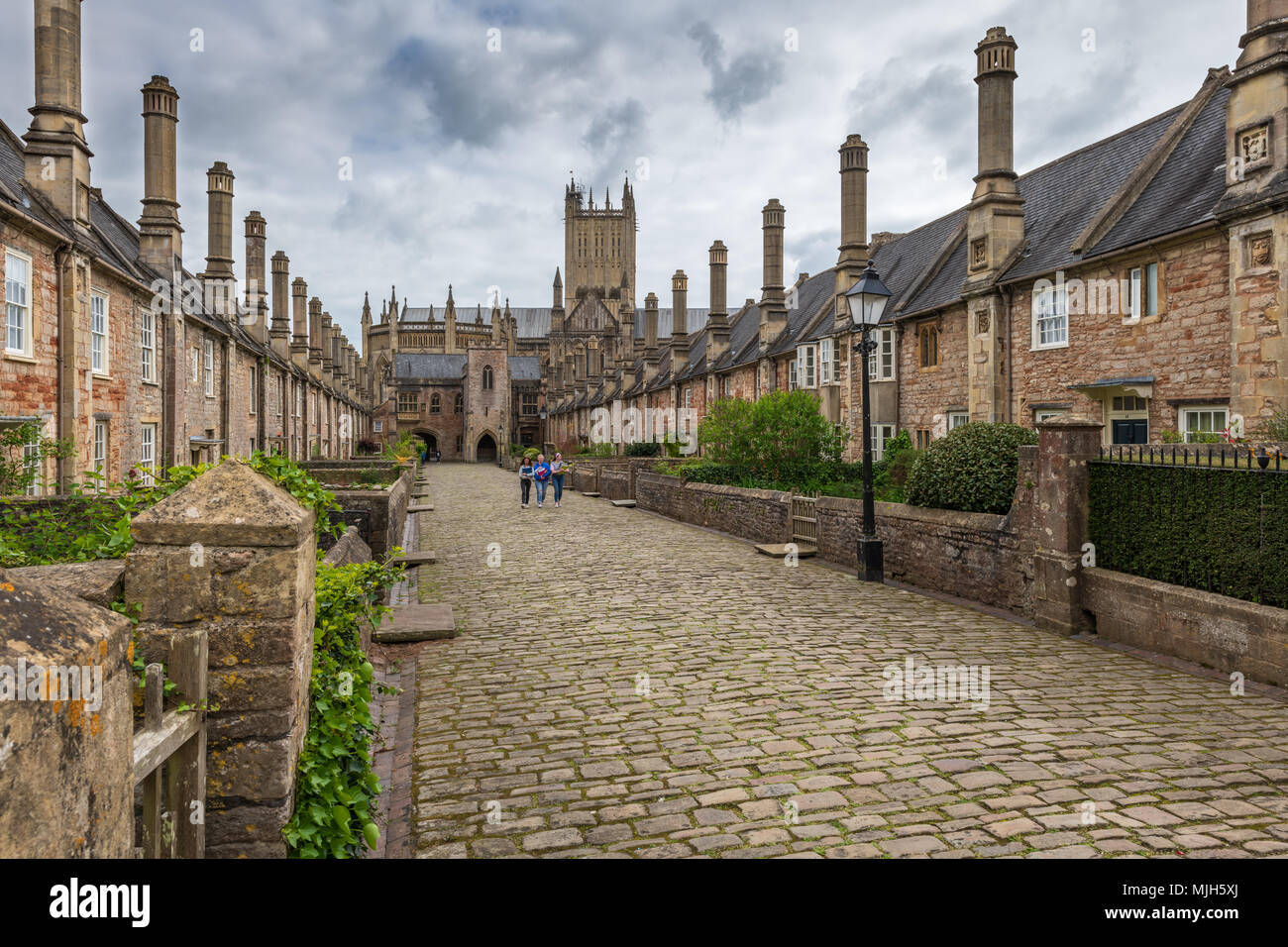 Vicars' Close in Wells Somerset, viewed looking towards the Chain Gate, is claimed to be the oldest purely residential street with original buildings  - Stock Image