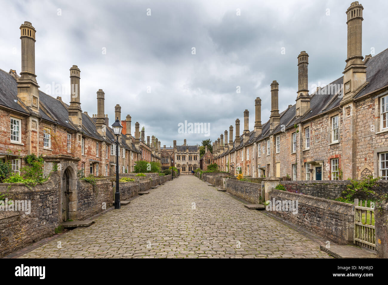 Vicars' Close in Wells Somerset, viewed looking towards the Vicars' Hall is claimed to be the oldest purely residential street with original buildings - Stock Image