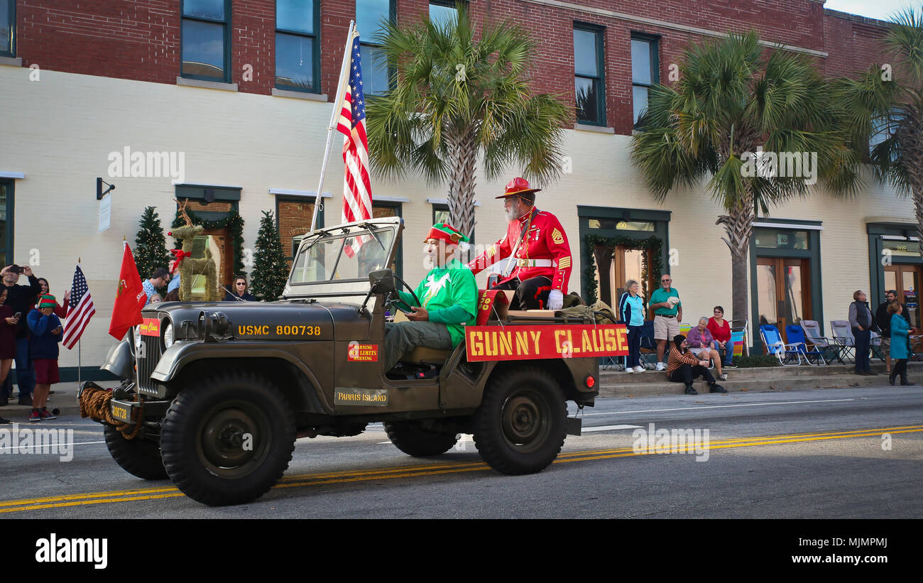 Beaufort Nc Christmas Parade 2021 Downtown Beaufort High Resolution Stock Photography And Images Alamy