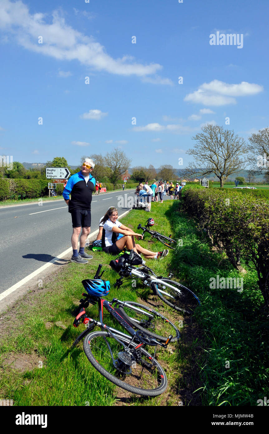 Waiting for Tour de Yorkshire 2018 Stage 3 - Stock Image