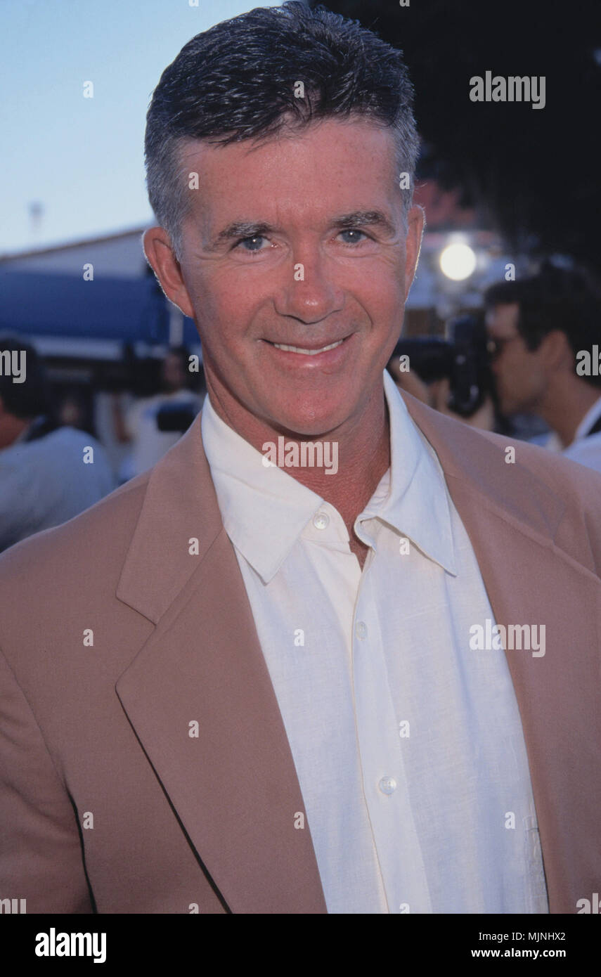 Actor Alan Thicke smiles as he attends the movie premiere of Eyes Wide Shut. --- ' Tsuni / - 'Alan Thicke Alan Thicke - Stock Image