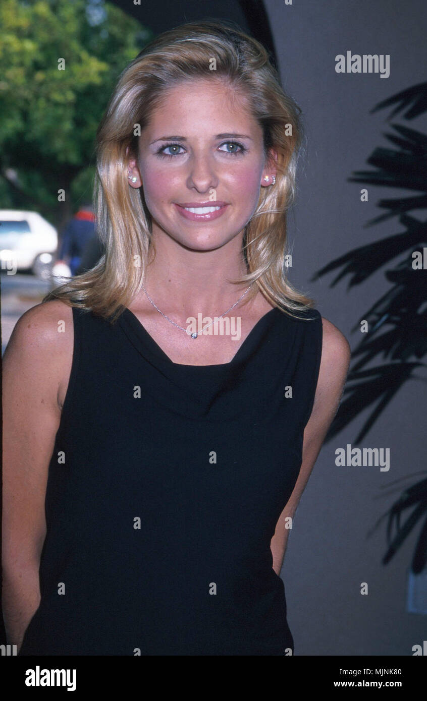 Portrait of Sarah Michelle Gellar --- ' Tsuni / - 'Sarah Michelle Gellar 143 Sarah Michelle Gellar 143 one person, Vertical, Best of, Hollywood Life, Event in Hollywood Life - California,  Red Carpet Event, Vertical, USA, Film Industry, Celebrities,  Photography, Bestof, Arts Culture and Entertainment, , , Topix - Stock Image