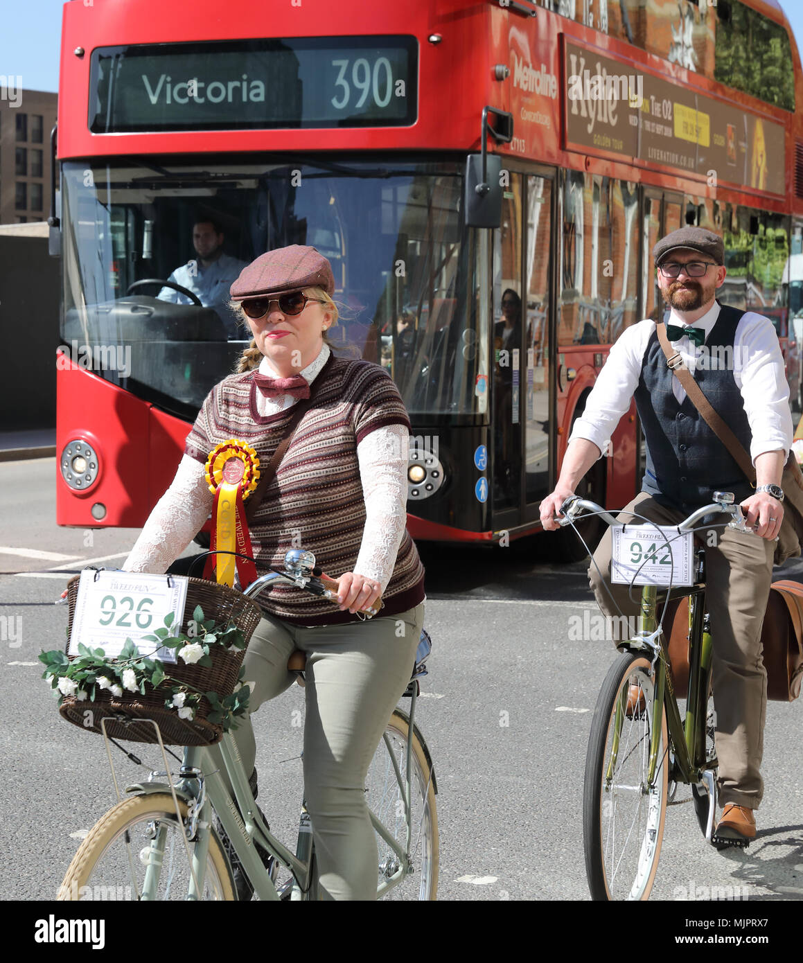 London, UK, 5 May 2018. The eccentric Tweed Cycle Run in London on a warm and sunny May 5th. Participants wore their finest tweeds and brogues with style. Credit: Monica Wells/Alamy Live News - Stock Image