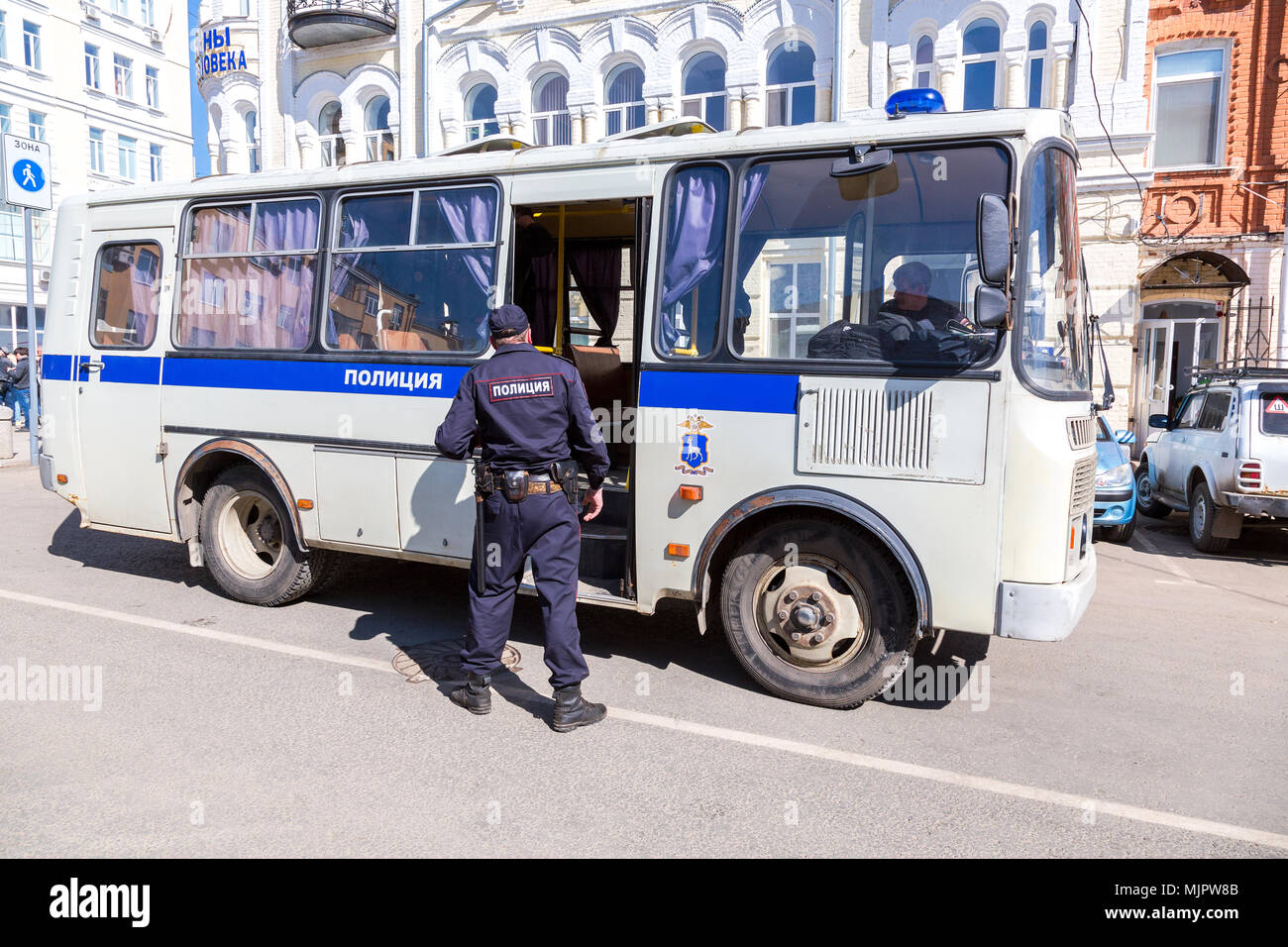 Samara, Russia - May 5, 2018: Police bus for arrested protesters during an opposition rally ahead of President Vladimir Putin's inauguration ceremony Credit: Alexander Blinov/Alamy Live News - Stock Image