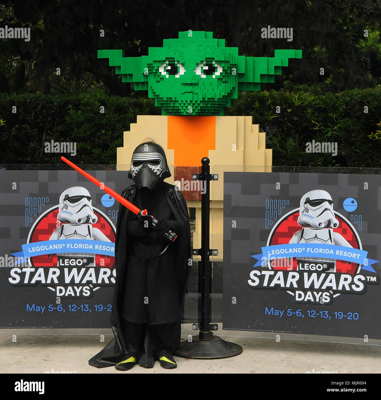 b100509c7ff07 Star Wars Character Stock Photos   Star Wars Character Stock Images ...