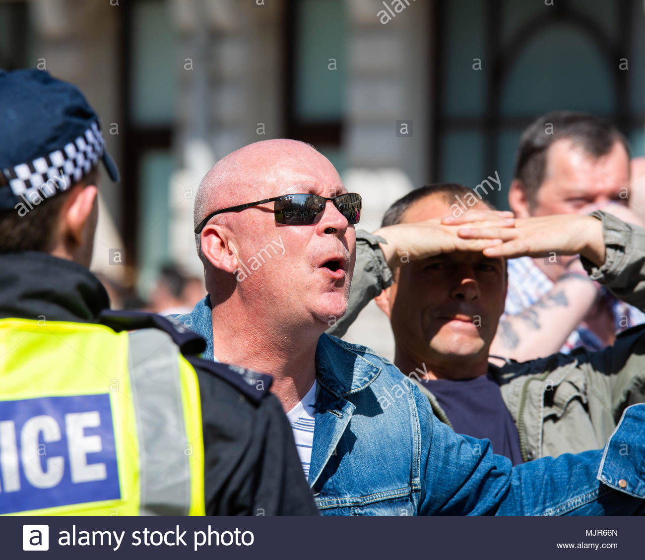 London, UK, 6 May 2018. Ex EDL leader Tommy Robinson holds his 'Day of Freedom' supported by The Football Lads Alliance, hundreds of antifascists oppose the Far-right gathering. ©2018 London, Great Britain. Credit: David Nash/Alamy Live News - Stock Image