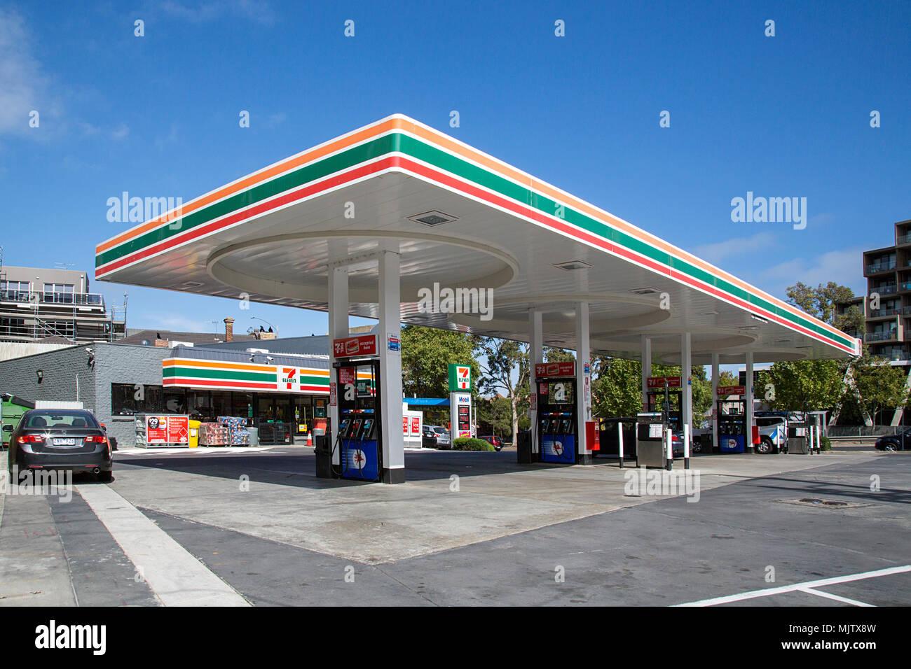 Convenience stores stock photos convenience stores stock for Mobili convenienti