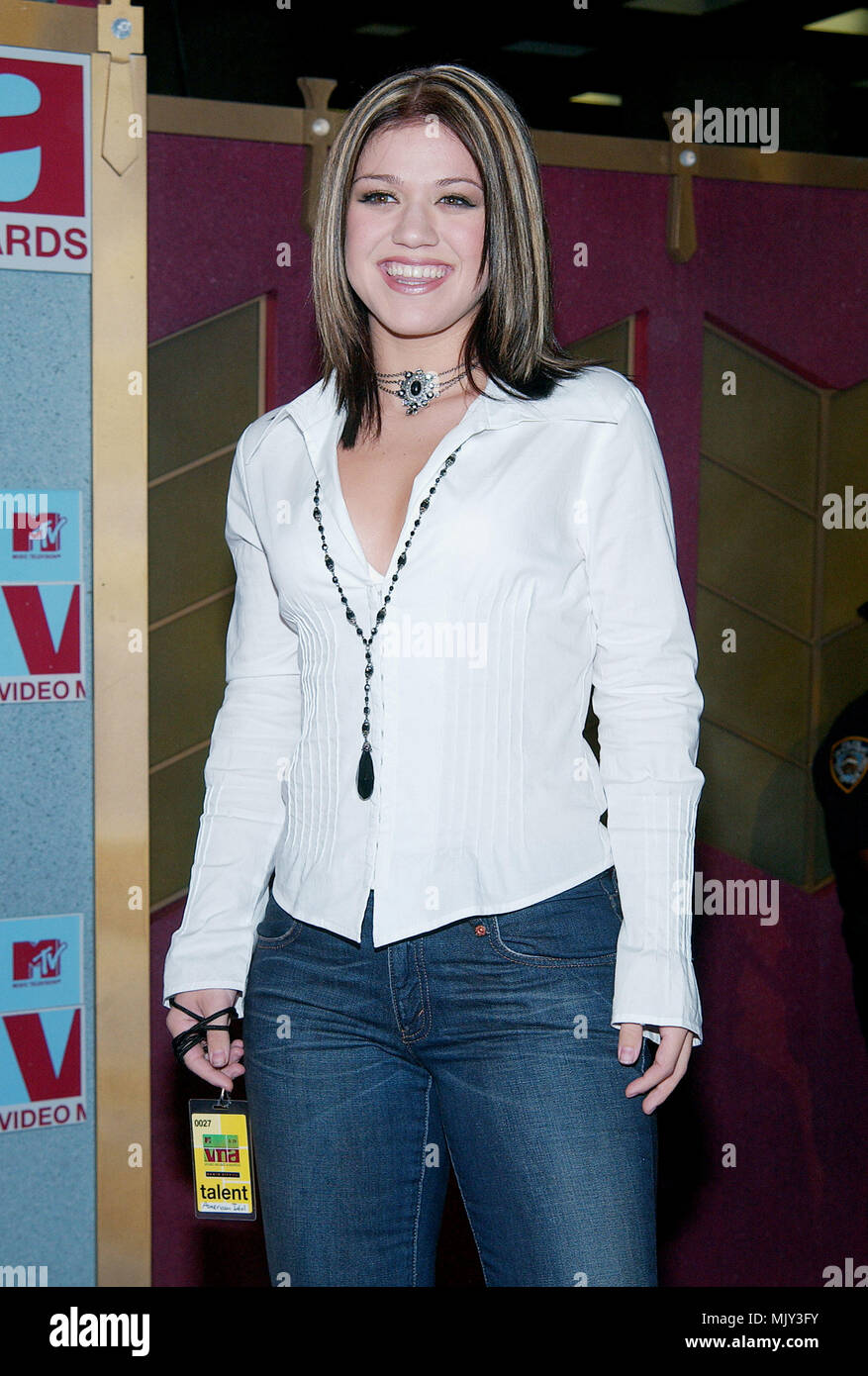 Kelly Clarkson American Idol Arriving At The 2002 Mtv Video Music Awards At The Radio City Music Hall In New York August 29 2002 Clarksonkelly Americanidol5 Jpgclarksonkelly Americanidol5 Event In Hollywood Life