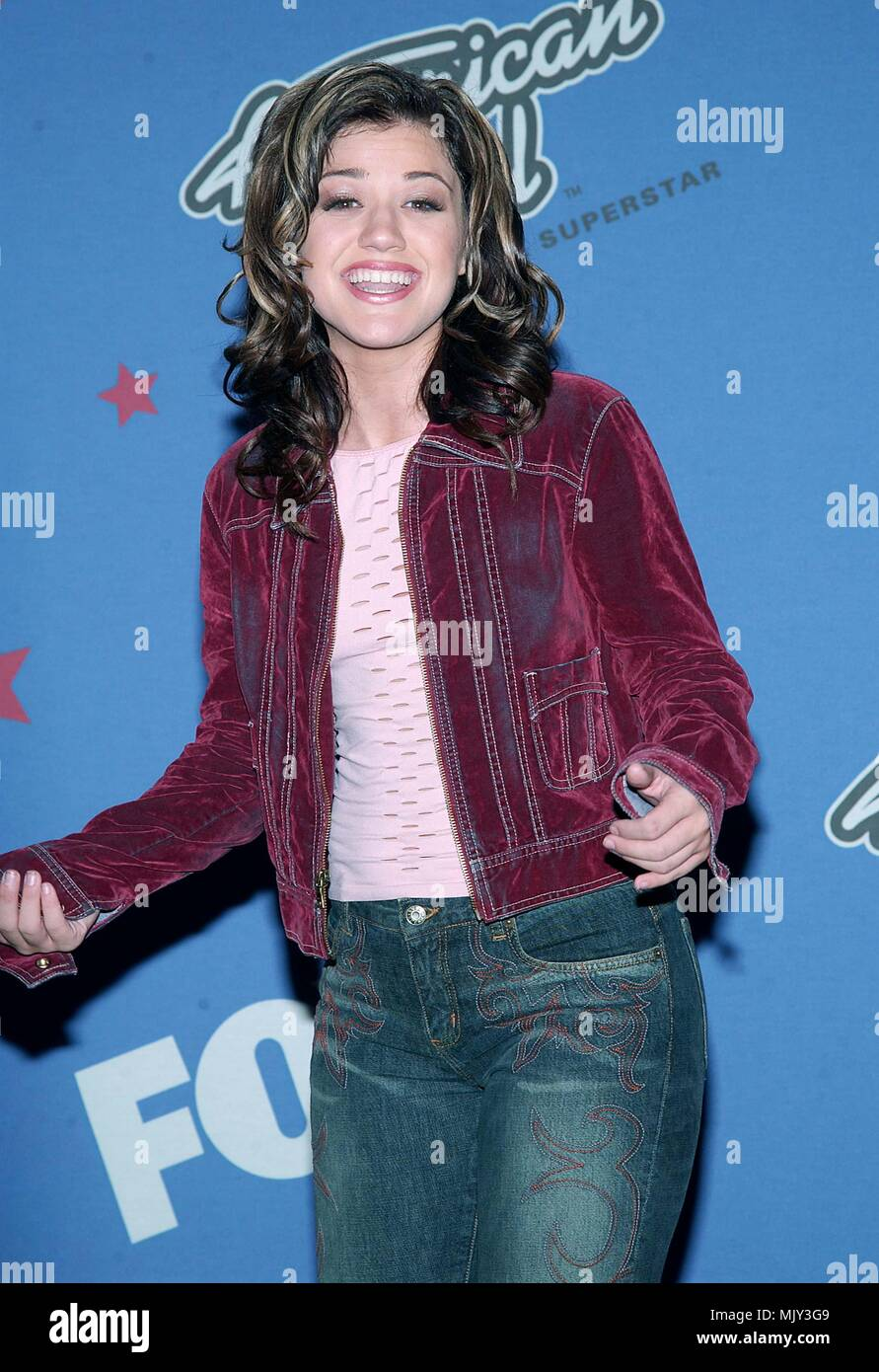 Kelly Clarkson Backstage At The American Idol Finale At The Kodak Theatre In Los Angeles September 4 2002 Clarksonkelly02b Jpgclarksonkelly02b Event In Hollywood Life California Red Carpet Event Vertical Usa Film