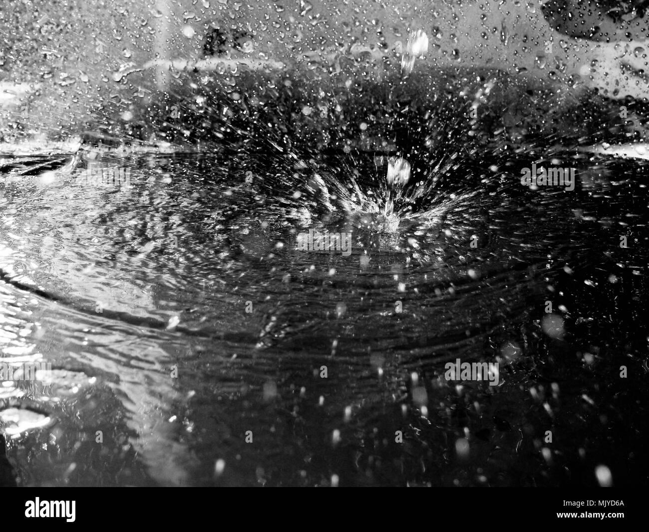 142ec9144ec8 squirt a drop of water