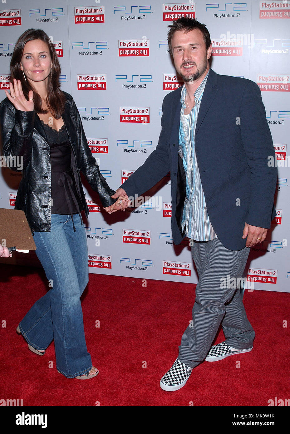 Courteney Cox and David Arquette arriving at the grand opening of the Play Station 2 Hotel in downtown Los Angeles. May 21, 2002.           -            CoxCourtney_ArquetteD01.JPG           -              CoxCourtney_ArquetteD01.JPGCoxCourtney_ArquetteD01  Event in Hollywood Life - California,  Red Carpet Event, Vertical, USA, Film Industry, Celebrities,  Photography, Bestof, Arts Culture and Entertainment, Topix Celebrities fashion /  from the Red Carpet-, Vertical, Best of, Hollywood Life, Event in Hollywood Life - California,  Red Carpet , USA, Film Industry, Celebrities,  movie celebritie - Stock Image