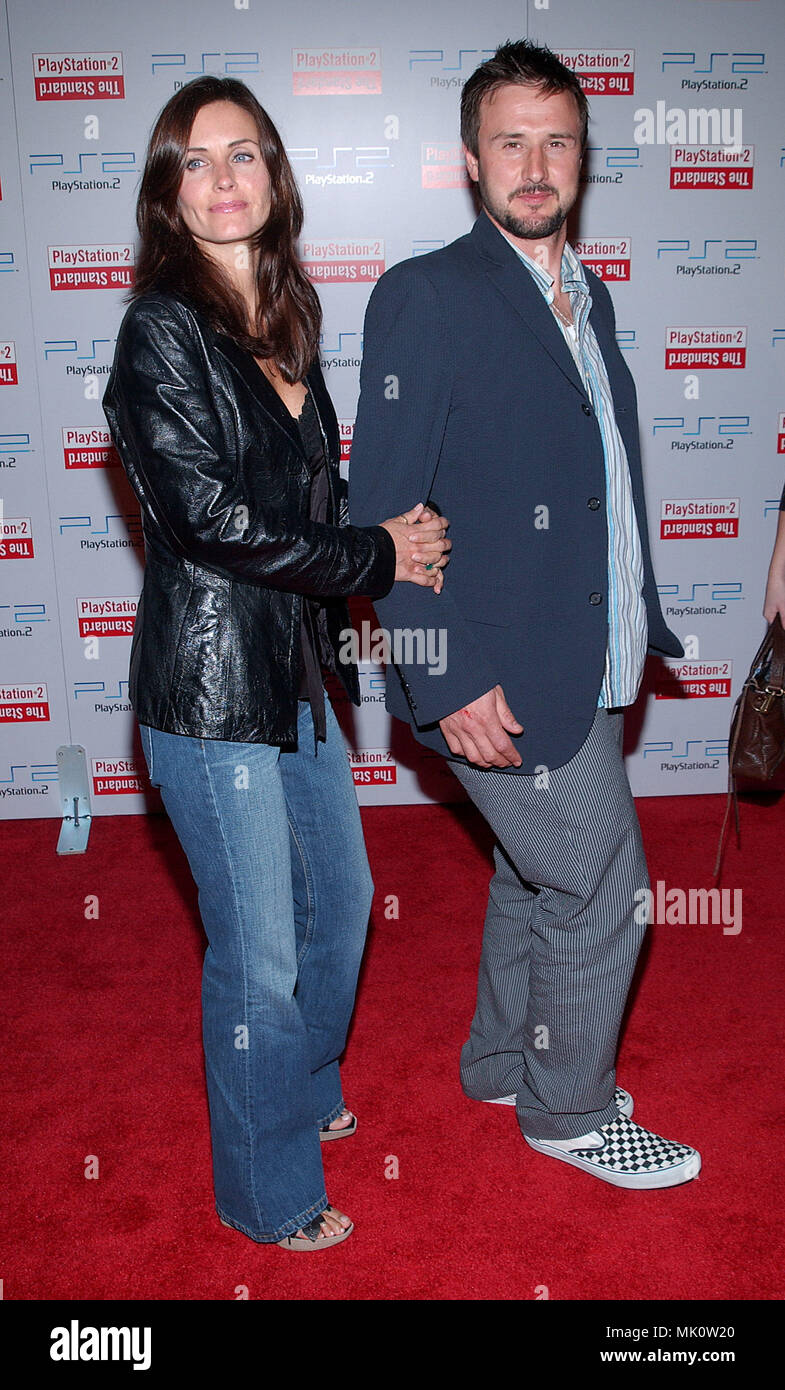 Courteney Cox and David Arquette arriving at the grand opening of the Play Station 2 Hotel in downtown Los Angeles. May 21, 2002.           -            CoxCourtney_ArquetteD03.JPG           -              CoxCourtney_ArquetteD03.JPGCoxCourtney_ArquetteD03  Event in Hollywood Life - California,  Red Carpet Event, Vertical, USA, Film Industry, Celebrities,  Photography, Bestof, Arts Culture and Entertainment, Topix Celebrities fashion /  from the Red Carpet-, Vertical, Best of, Hollywood Life, Event in Hollywood Life - California,  Red Carpet , USA, Film Industry, Celebrities,  movie celebritie - Stock Image