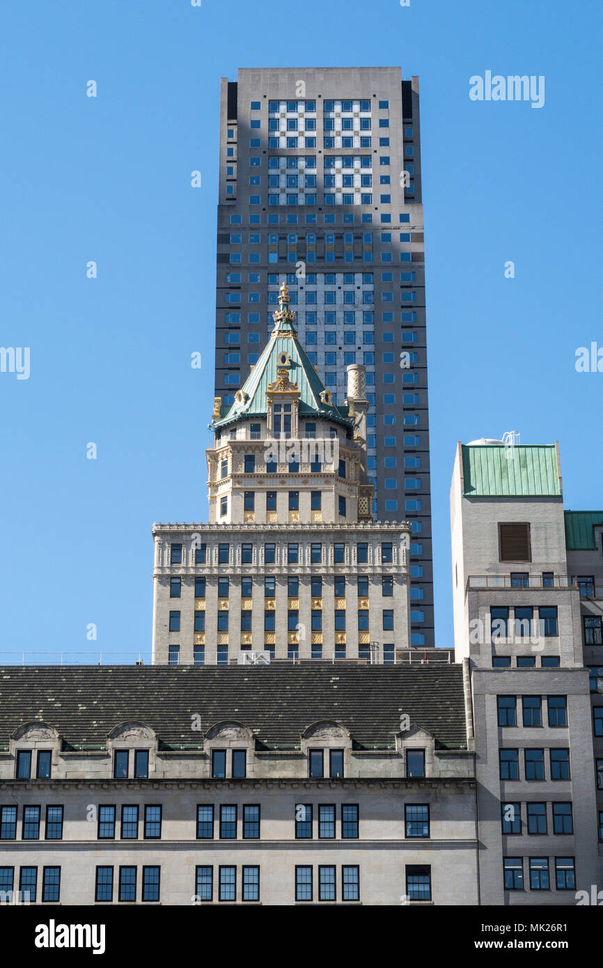 Contrasting architecture on Fifth Avenue in New York City, USA - Stock Image