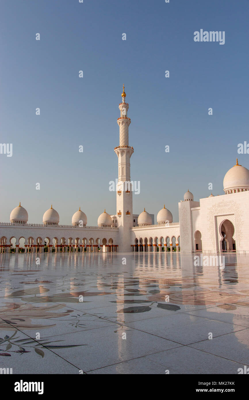 Sheikh Zayed Mosque Abu Dhabi Emirates - Stock Image