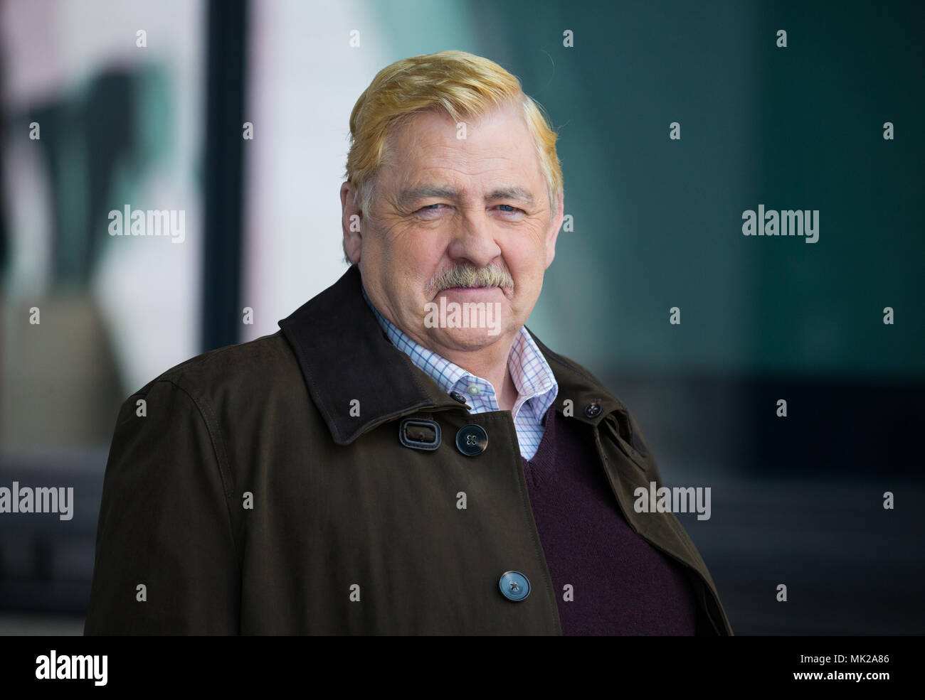 Actor, Peter Wight, also known as Peter Wright, outside the BBC television Studios filming 'I'm Alan Partridge'. - Stock Image