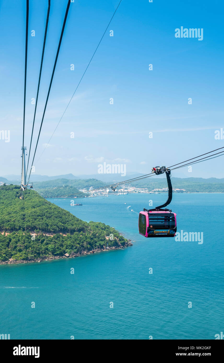 The sea cablecar between An Thoi and Hon Thom (Pineapple Island) on Phu Quoc island, said to be the longest in the world - Stock Image