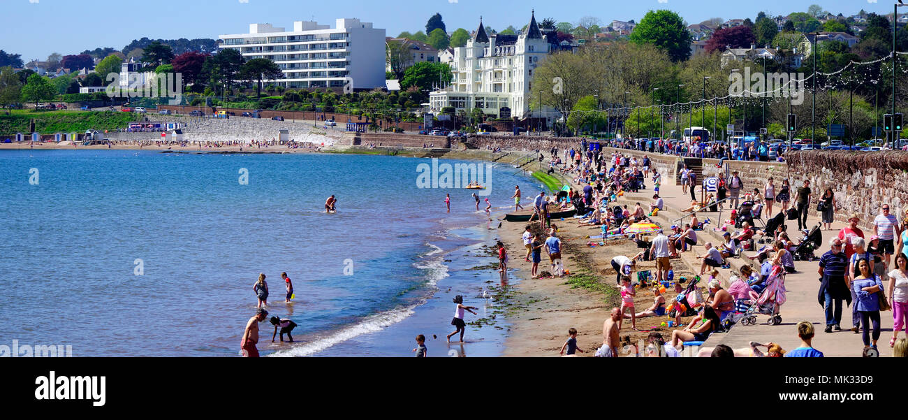 Torquay, Devon, United Kingdom: 6th May 2018: Torre Abbey Sands on May Bank Holiday Credit: nagelestock.com/Alamy Live News - Stock Image