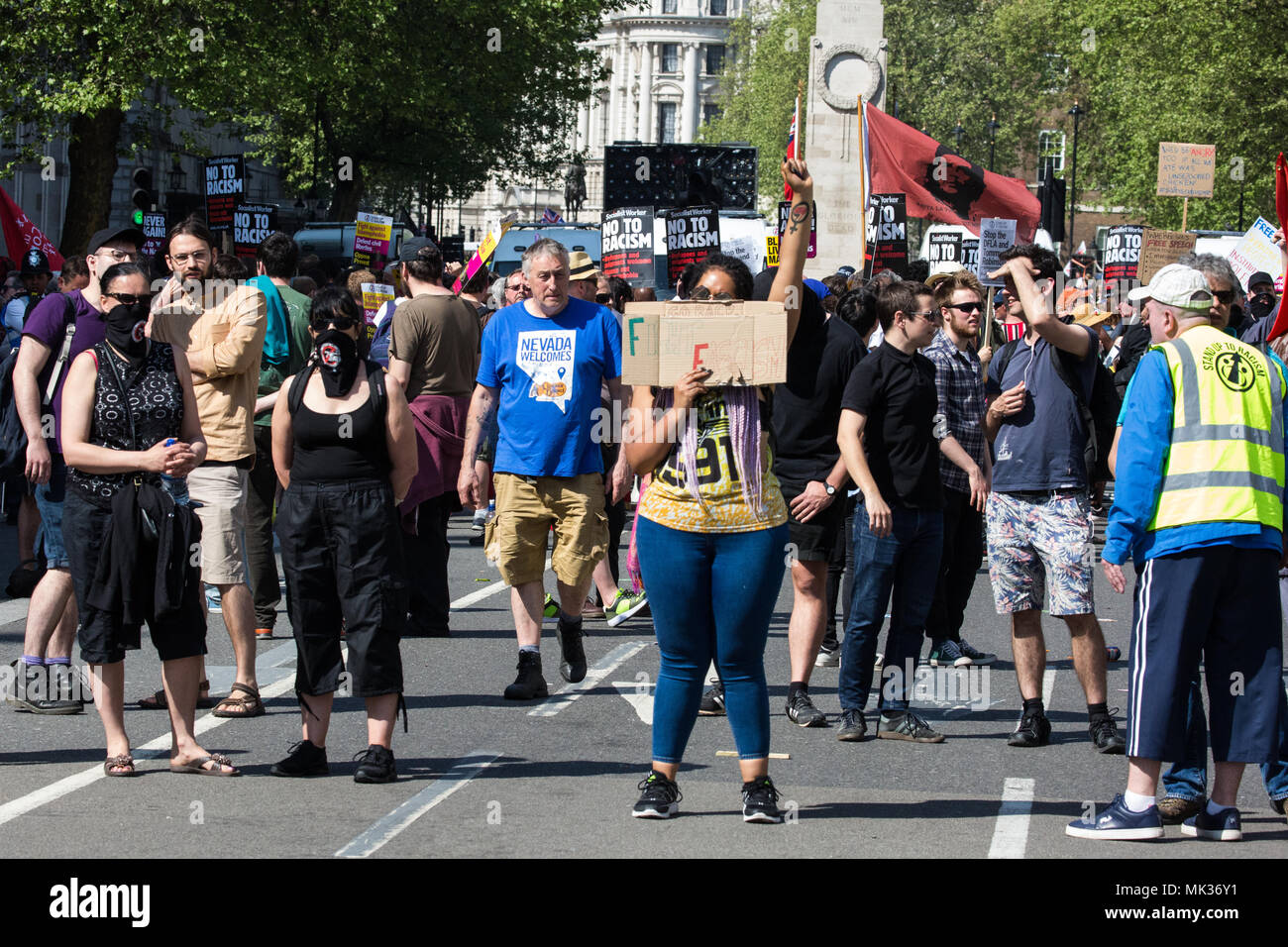 London, UK. 6th May, 2018. Anti-racist and anti-fascist groups hold a counter-protest to the far-right Democratic Football Lads Alliance's 'Day of Freedom' in Whitehall at which former English Defence League leader Tommy Robinson was scheduled to speak. Credit: Mark Kerrison/Alamy Live News - Stock Image