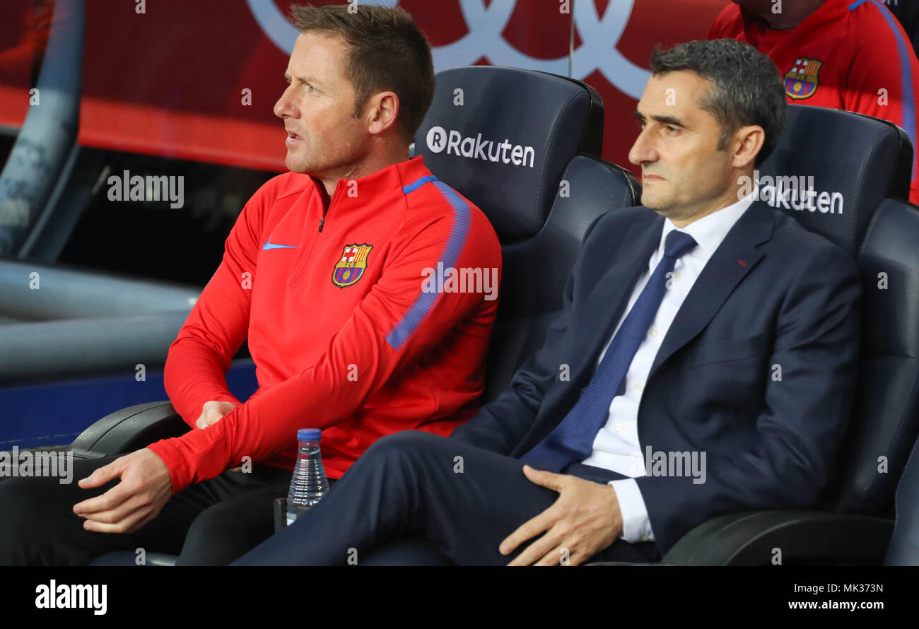 Barcelona Assistant Coach High Resolution Stock Photography And Images Alamy