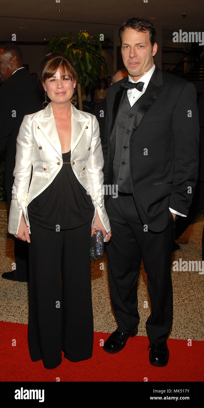 Washington DC., USA, April 29, 2006 Maura Tierney and her husband Billy Morrisette arrive at the annual White House Correspondents Dinner at the Washington Hilton Hotel. - Stock Image