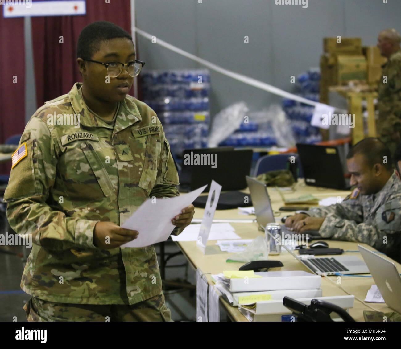 Pursuing Army Stock Photos & Pursuing Army Stock Images - Alamy