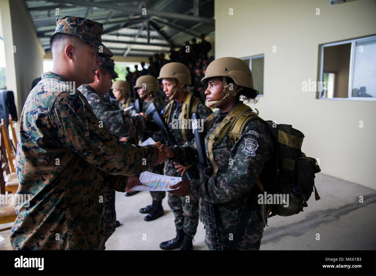 Us Marine 1st Lt Benjamin T Um The Officer In Charge Of The