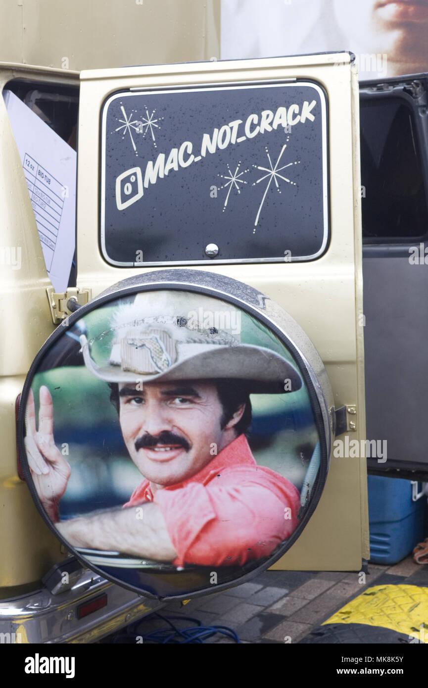 Mack not crack food truck with Burt Reynolds on - Stock Image
