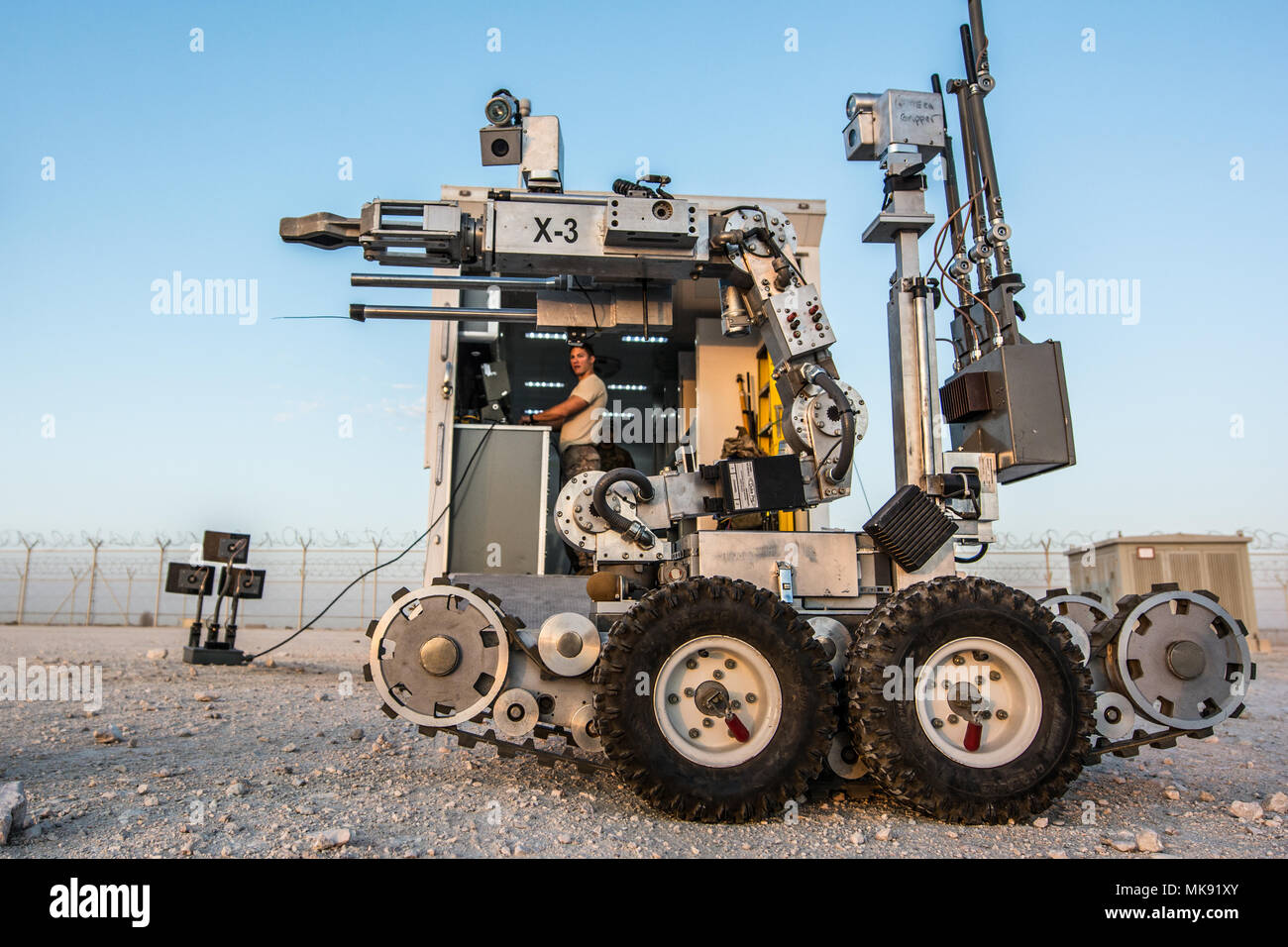Remotec Stock Photos Images Alamy Mk Wiring Devices Qatar Us Air Force Senior Airman Taylor Lahteine Explosive Ordnance Disposal Journeyman Assigned To The 379th