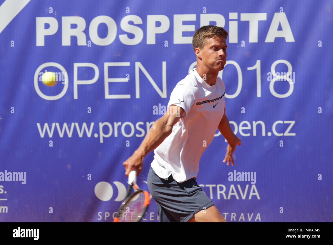 Ostrava, Czech Republic. 06th May, 2018. Tennis player NINO SERDARUSIC of Croatia in action during the match against Belgian player De Greef at the Prosperita Open men's tennis challenger tournament in Ostrava, Czech Republic, May 6, 2018. Credit: Petr Sznapka/CTK Photo/Alamy Live News - Stock Image