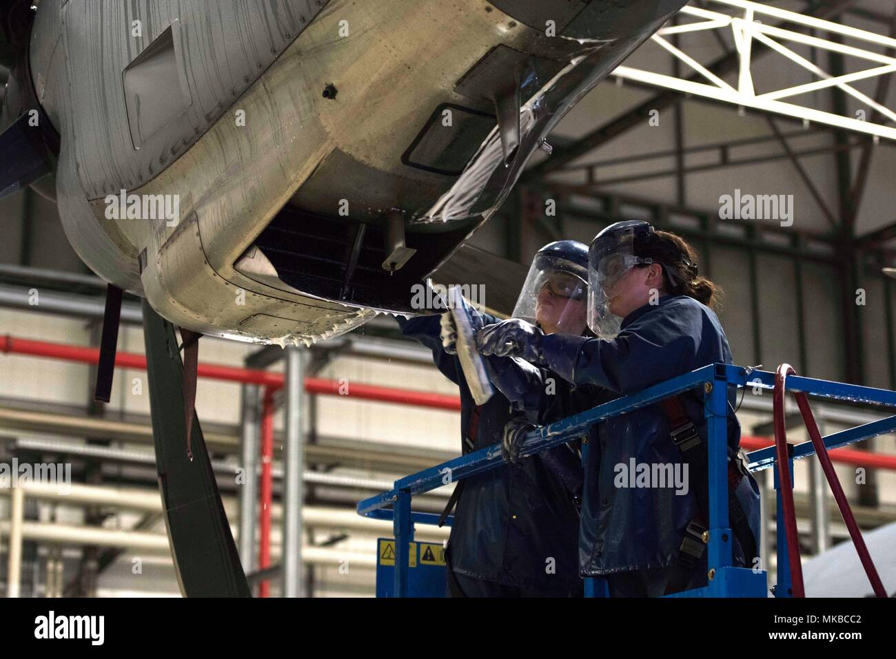 Super Spray Stock Photos Images Alamy Lili Air Us Force Senior Airman Rachel Revels Left And Staff