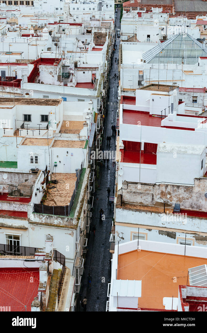 A high angled views of a long street in Cadiz, Spain - Stock Image