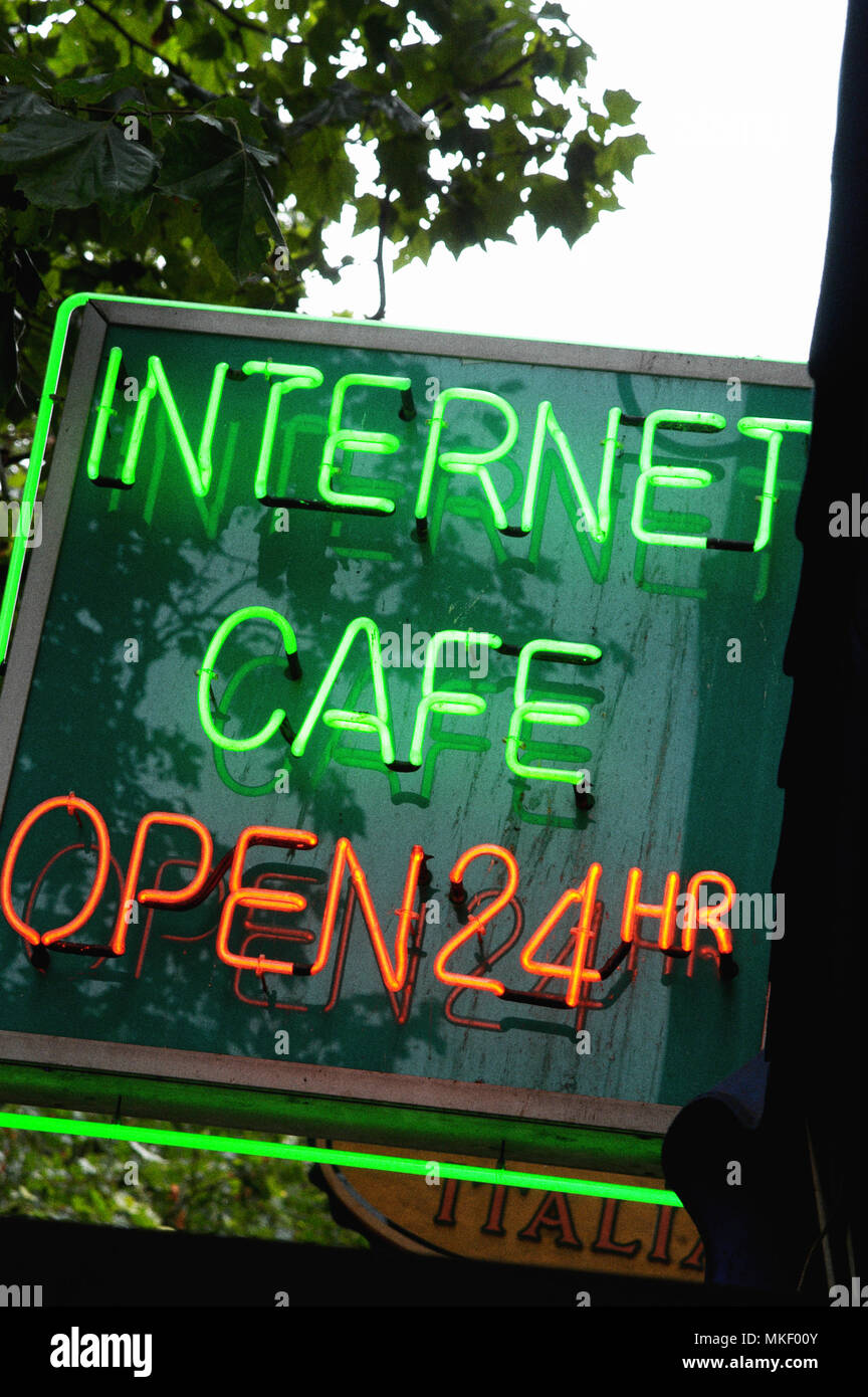 internet cafe open 24 hours in london Stock Photo: 184111451 - Alamy