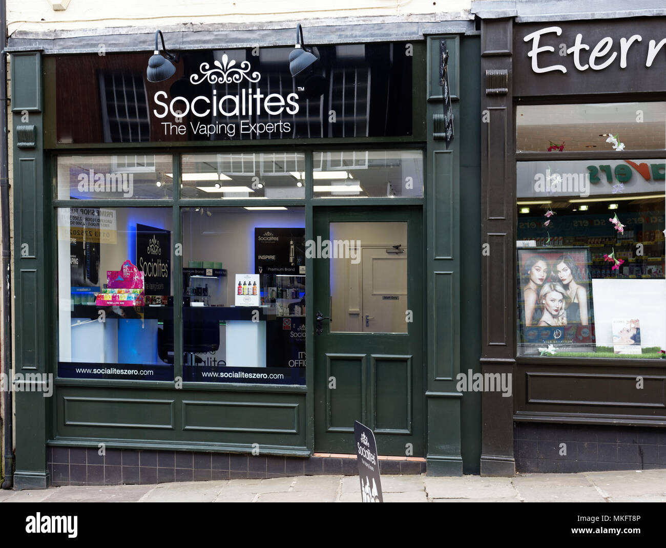 Vaping and e-cigarette shop in Chesterfield, Derbyshire - Stock Image